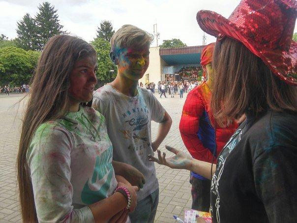"""В рамках фестивалю фарб """"Holiwood"""" львів'яни мали можливість укладати шлюб (ФОТО), фото-1"""