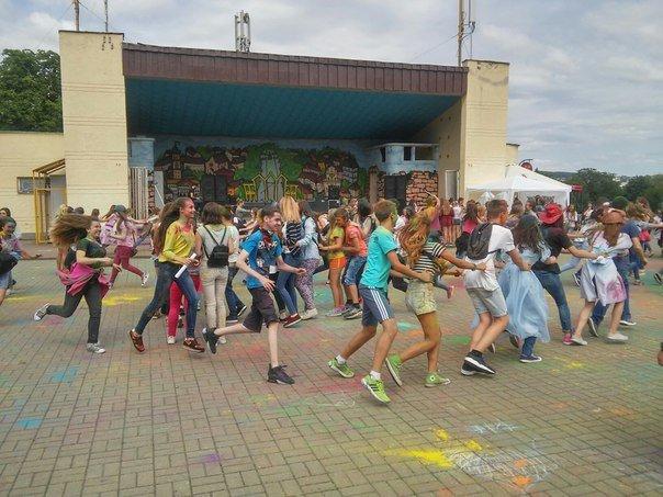 """У Парку культури відбувся фестиваль фарб """"Holiwood"""": як це було, фото-8"""