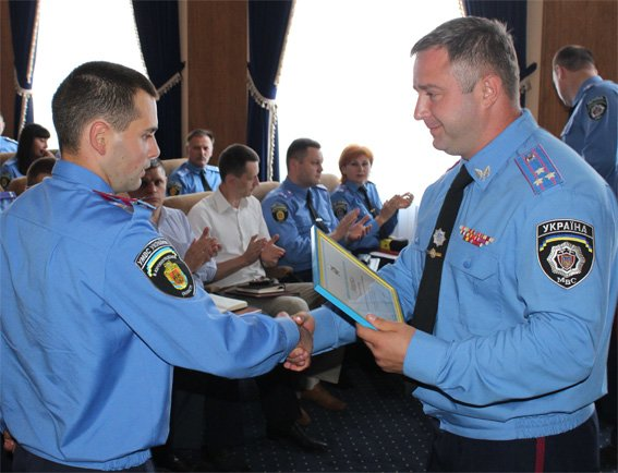 Шеф полиции Кировоградщины вручил награды следователям, фото-2