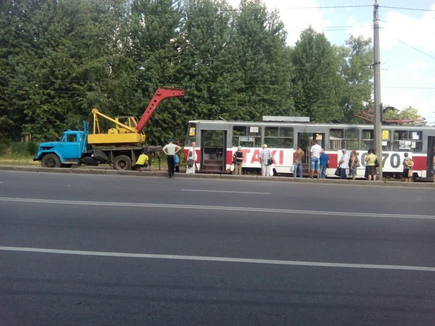 "В Харькове ""дрифтанул"" очередной трамвай (ФОТО), фото-1"