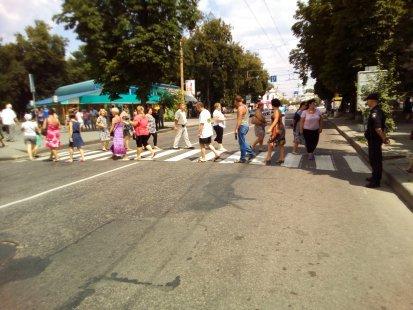 Сумчане с Курской перекрыли дорогу возле ЦУМа (ФОТО), фото-1
