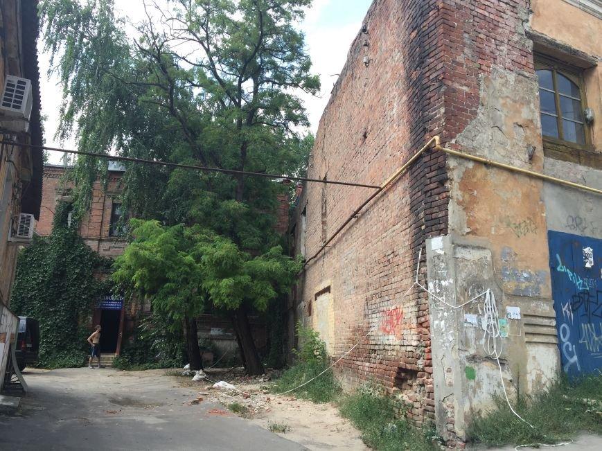 Из-за сноса заброшенного здания, в центре Харькова может рухнуть жилой дом (ФОТО), фото-2