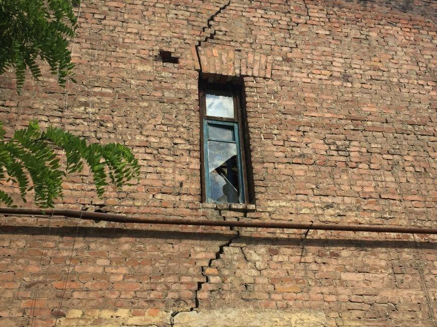 Из-за сноса заброшенного здания, в центре Харькова может рухнуть жилой дом (ФОТО), фото-4