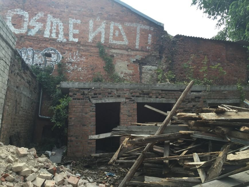 Из-за сноса заброшенного здания, в центре Харькова может рухнуть жилой дом (ФОТО), фото-5