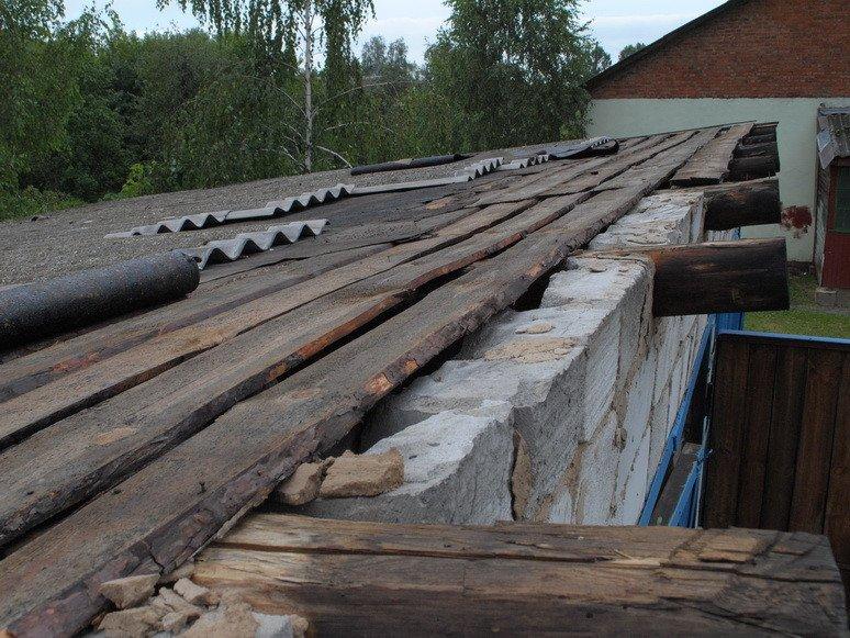 На Сумщине ураган посрывал крыши с домов и школ (ФОТО), фото-8