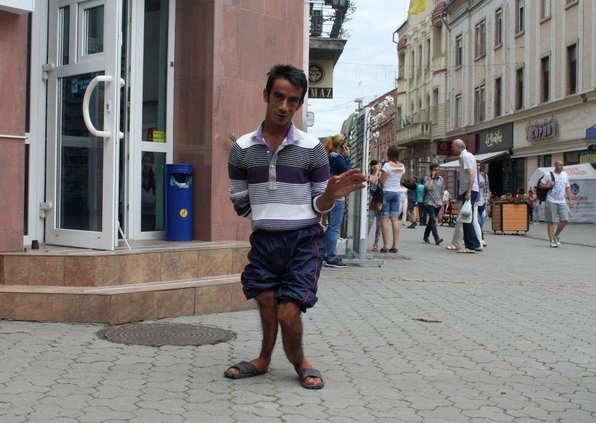 Сергій з Корзо: «Я молюсь за кожного, хто дає мені милостиню», фото-1