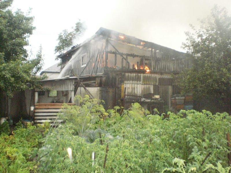 На Сумщине гроза стала причиной двух пожаров (ФОТО), фото-1