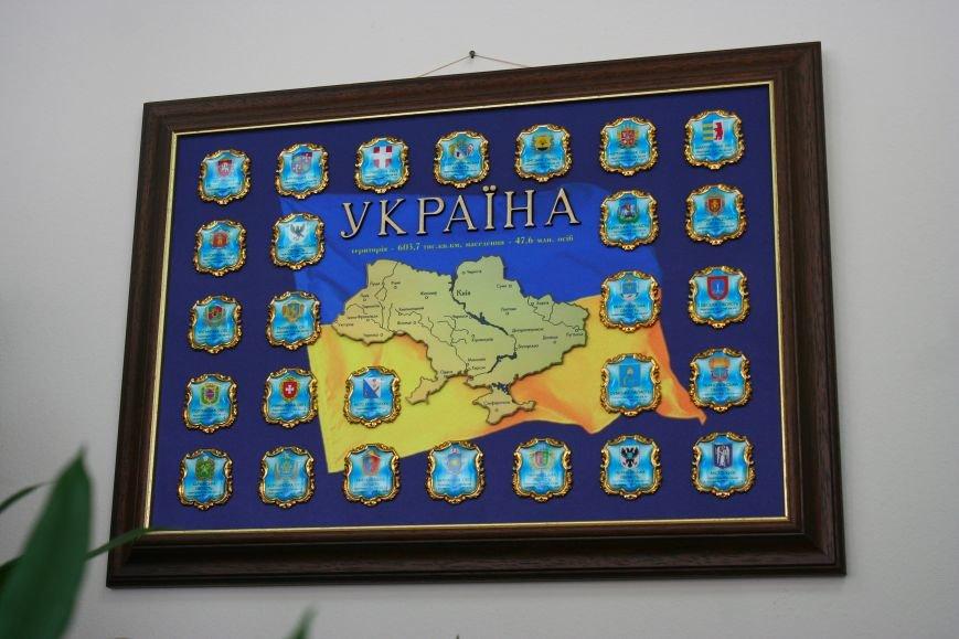 Рабочий стол запорожского губернатора: какими предметами окружил себя Константин Брыль, фото-18