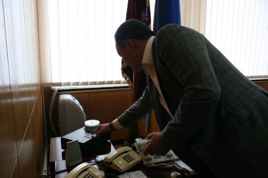 Рабочий стол запорожского губернатора: какими предметами окружил себя Константин Брыль, фото-6