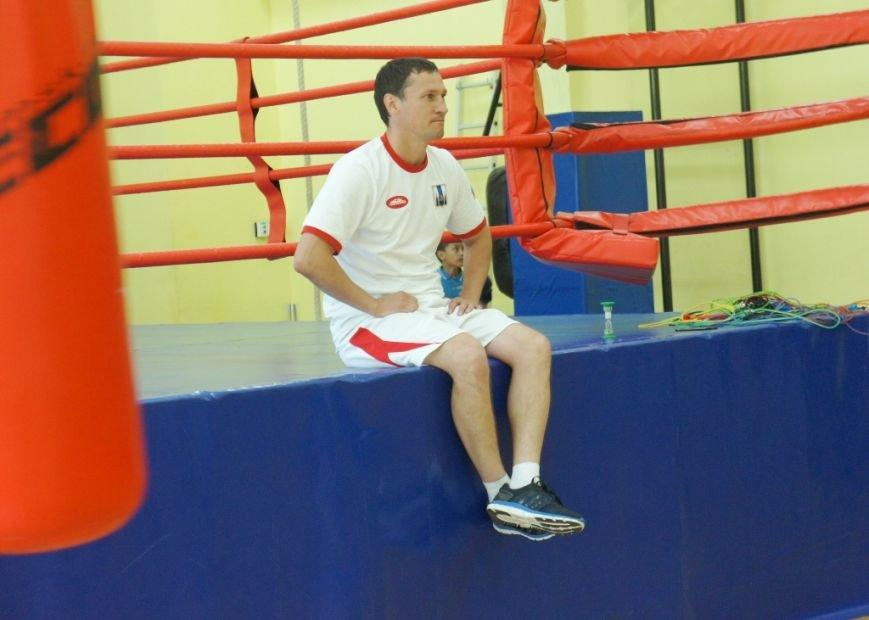 Советник губернатора по спорту тренирует сахалинских боксёров, фото-3