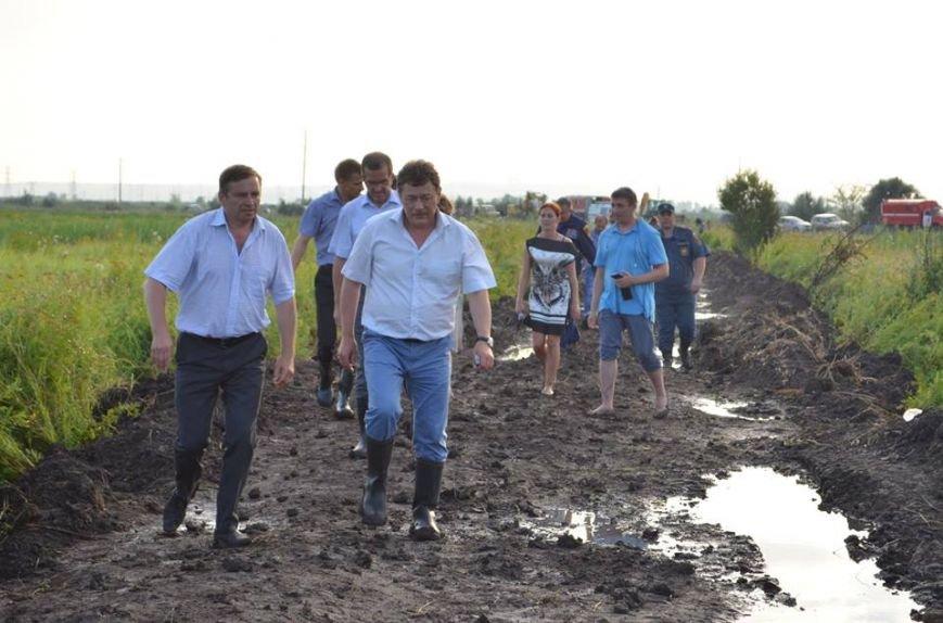 Рано утром в Новочеркасске ликвидировали аварию на водоводе, фото-6