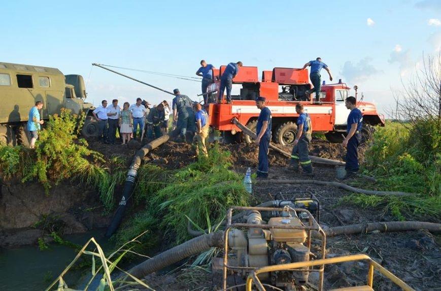 Рано утром в Новочеркасске ликвидировали аварию на водоводе, фото-7