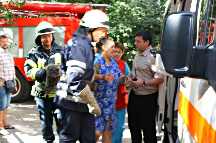 В Запорожье вспыхнул пожар в общежитии - эвакуировали 30 человек (ФОТО), фото-3