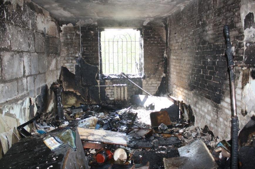 В Запорожье вспыхнул пожар в общежитии - эвакуировали 30 человек (ФОТО), фото-7