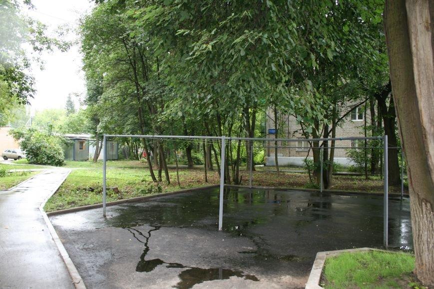 Борьба за парковки в Новой Москве: жители Троицка ограждают свою территорию, фото-4