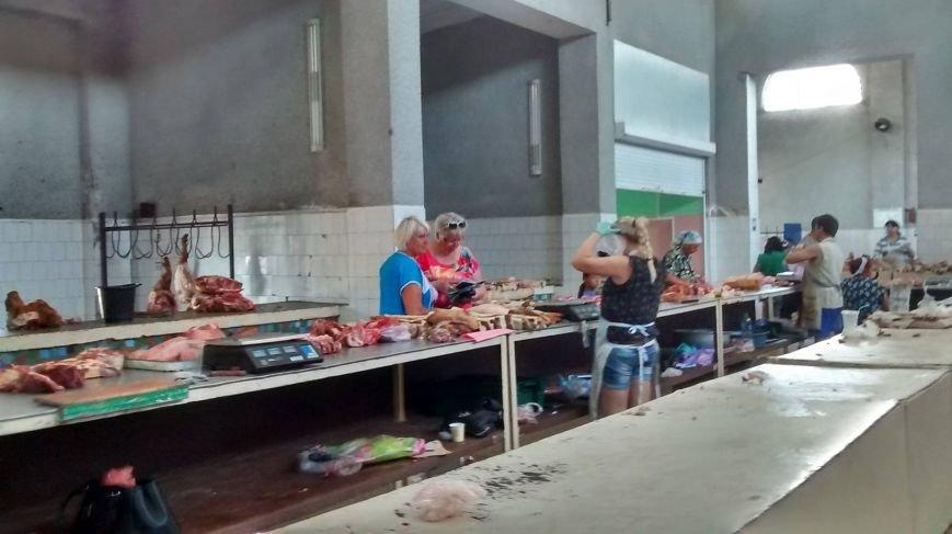 Криворожские чиновники проверяли яйца и мясо на рынке города (ФОТО), фото-7