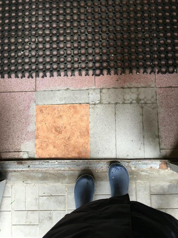 Как положили плитку в доме Новой Москвы: жители Троицка в ярости, фото-4