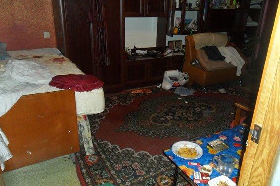 Семейная поножовщина на Сумщине: мужчина засадил нож в грудь сожительницы (ФОТО), фото-1
