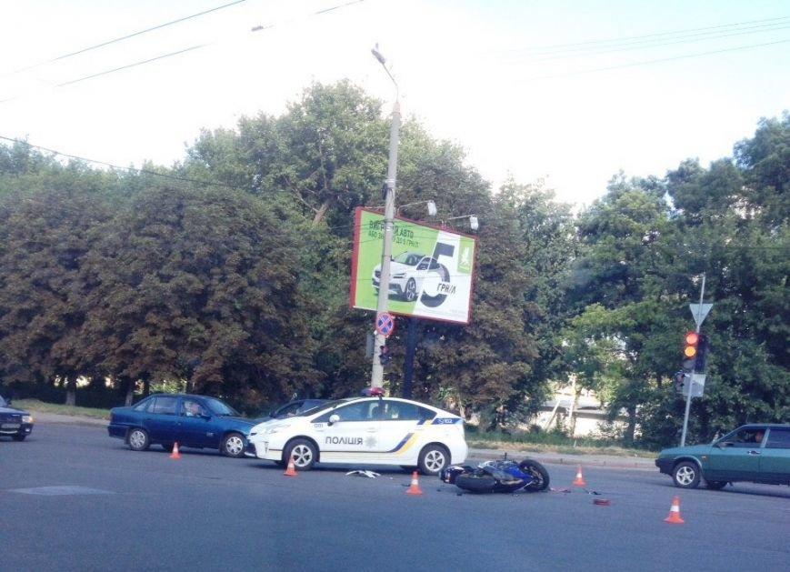 ДТП в Кропивницком: спортивный мотоцикл столкнулся с иномаркой (ФОТО), фото-1
