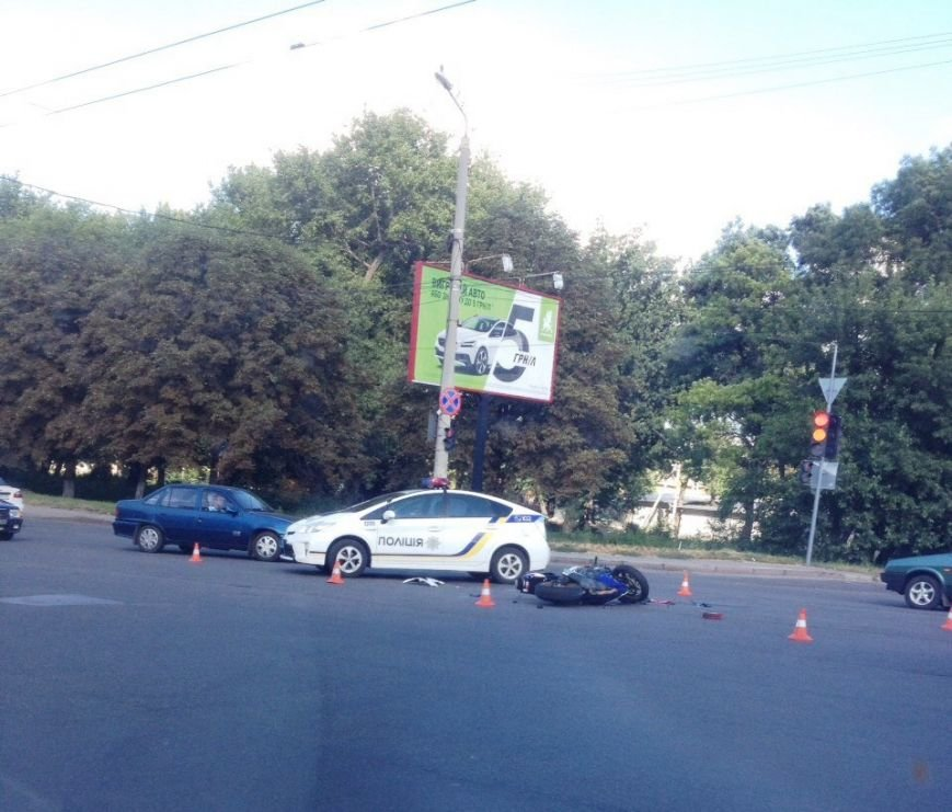 ДТП в Кропивницком: спортивный мотоцикл столкнулся с иномаркой (ФОТО), фото-2