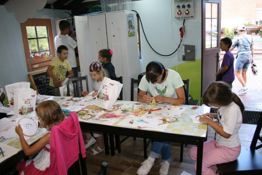 На фестивале варенья прошли мастер-классы по вышиванию для детей Троицка ТиНАО, фото-4