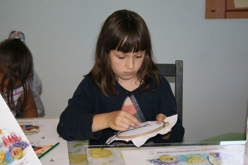 На фестивале варенья прошли мастер-классы по вышиванию для детей Троицка ТиНАО, фото-6