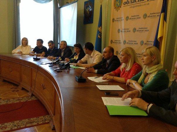 Львівська обласна рада звернулася до президента з вимогою знизити тарифи на комунальні послуги (ФОТО+ВІДЕО), фото-4