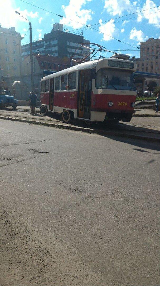 """В Харькове двойной трамвайный """"дрифт"""" (ФОТО), фото-1"""
