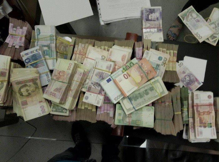 В Харькове СБУ раскрыла схему снабжения боевиков (ФОТО), фото-3
