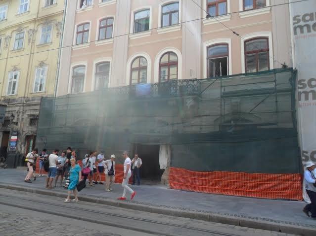 На площі Ринок, 18 завершують реставрувати пам'ятку архітектури (ФОТО), фото-5