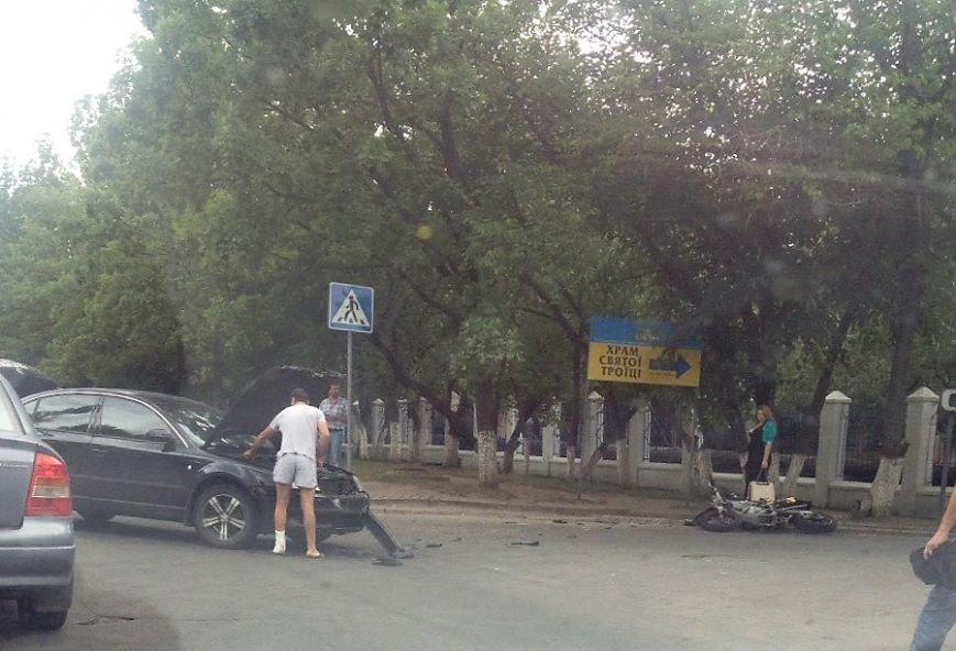 ДТП в Кропивницком: возле больницы мотоцикл столкнулся с автомобилем (ФОТО), фото-7