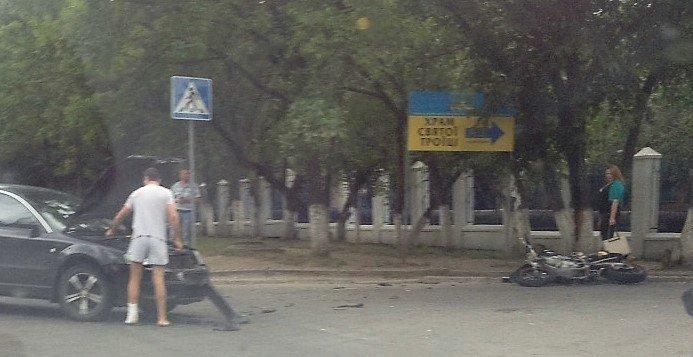 ДТП в Кропивницком: возле больницы мотоцикл столкнулся с автомобилем (ФОТО), фото-4