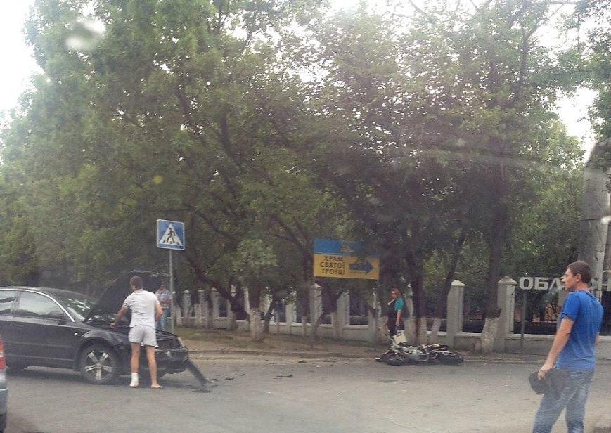 ДТП в Кропивницком: возле больницы мотоцикл столкнулся с автомобилем (ФОТО), фото-6