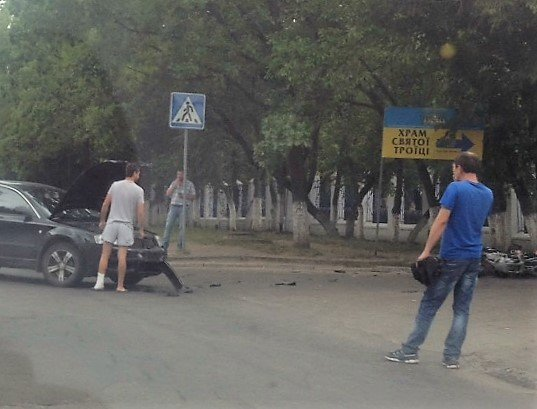 ДТП в Кропивницком: возле больницы мотоцикл столкнулся с автомобилем (ФОТО), фото-3