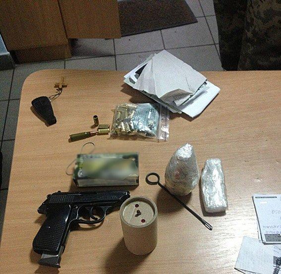 Франківські чиновники ОДА вкрали 5 млн грн бюджетних коштів, що виділили на АТО, фото-1