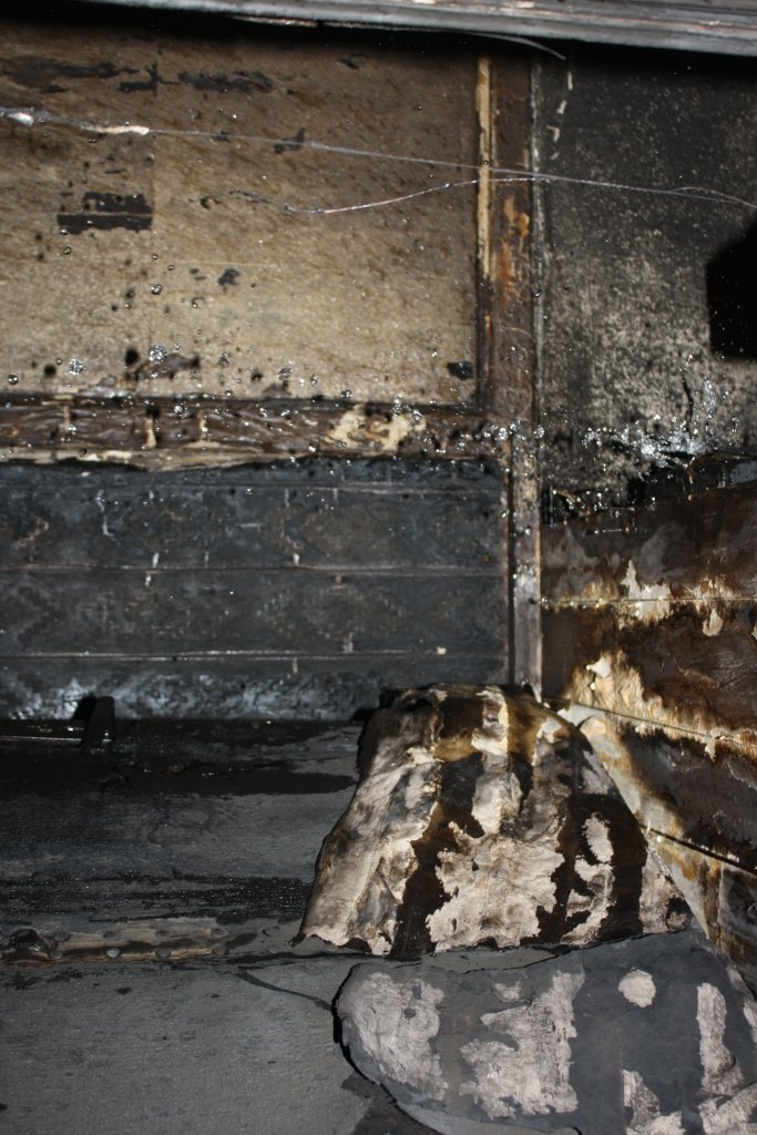 В районе Малого рынка дотла сгорела квартира: погиб мужчина (ФОТО), фото-6