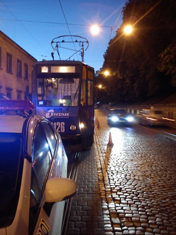 У центрі Львова трамвай збив п'яного пішохода (ФОТО), фото-2