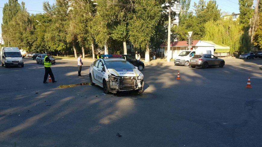 "Одесские полицейские снова уничтожили ""Приус"" (ФОТО), фото-1"