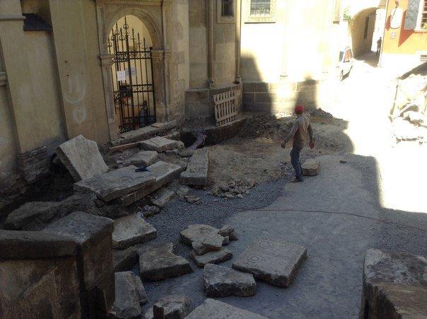Вірменський дворик у Львові відреставрують за 540 тис. гривень (ФОТО), фото-9