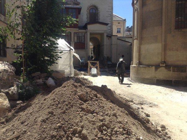 Вірменський дворик у Львові відреставрують за 540 тис. гривень (ФОТО), фото-4