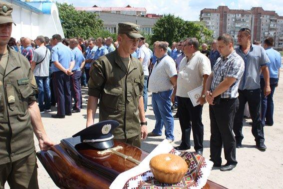 В Запорожской области похоронили 25-летнего полицейского, который разбился в аварии (ФОТО), фото-1