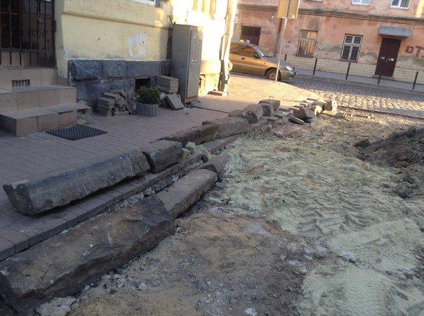 У Галицькому районі ремонтують вулицю Таманську: як проходить ремонт (ФОТО), фото-5