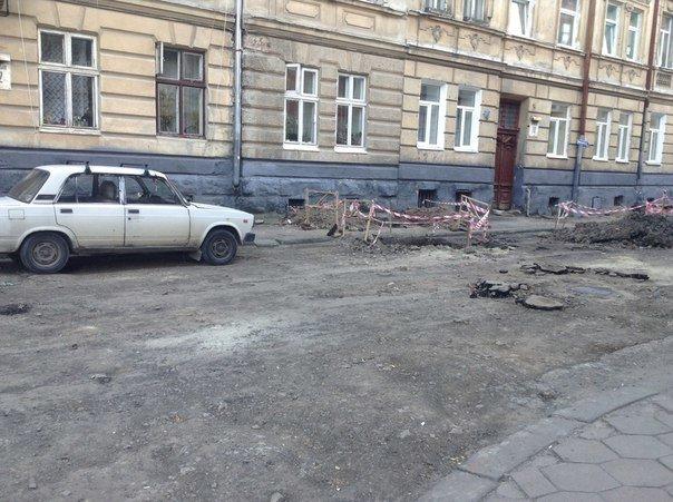 У Галицькому районі ремонтують вулицю Таманську: як проходить ремонт (ФОТО), фото-4