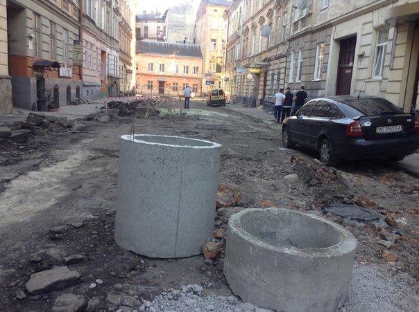 У Галицькому районі ремонтують вулицю Таманську: як проходить ремонт (ФОТО), фото-2