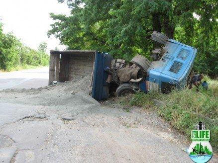 В Кировоградской области перевернулся грузовик (ФОТО), фото-3
