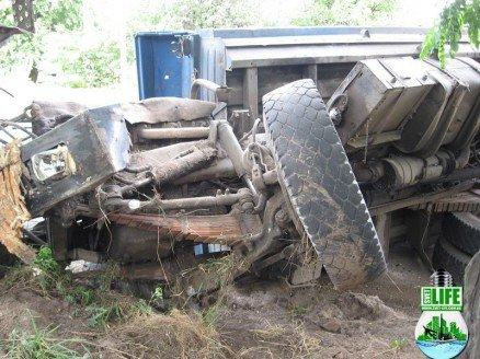 В Кировоградской области перевернулся грузовик (ФОТО), фото-2