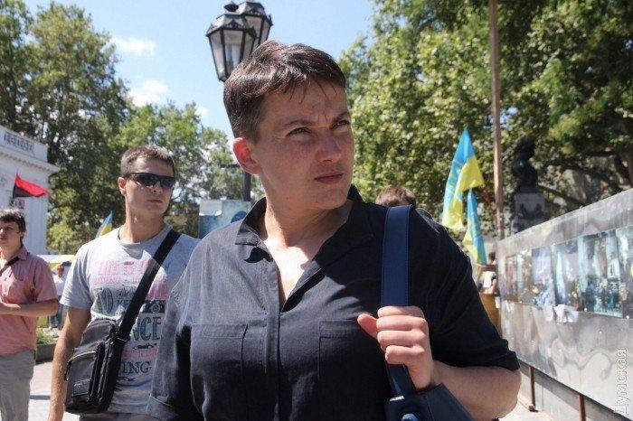 В Одесі невідомі намагалися закидати яйцями Савченко: фото, фото-3