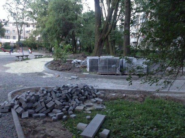 Як у Львові облаштовують сквер на вулиці Ряшівській (ФОТО), фото-5
