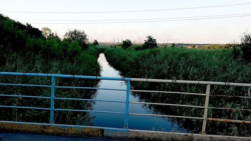 В Мариуполе ВАЗ с моста улетел в реку(ФОТО), фото-2