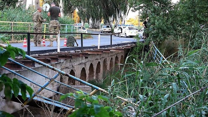 В Мариуполе ВАЗ с моста улетел в реку(ФОТО), фото-8